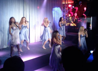Live singing and dancing at the Samsung party